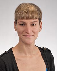 Dr. Esti Ukar