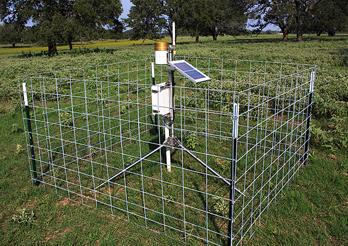 micro-soil moisture monitoring station