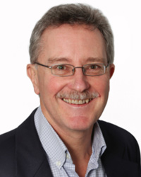 Headshot of Tim Dixon, program manager of IEA Greenhouse Gas and GoMCarb advisory committee chair